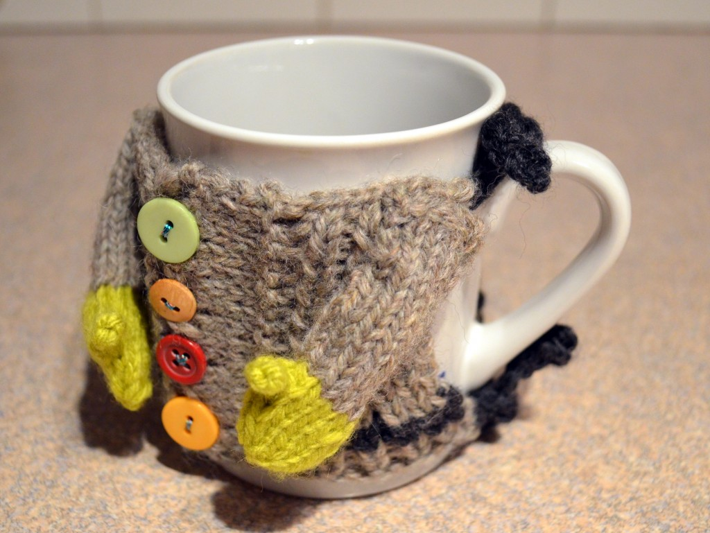 Pops de Milk - Knitted Mug Sweater side