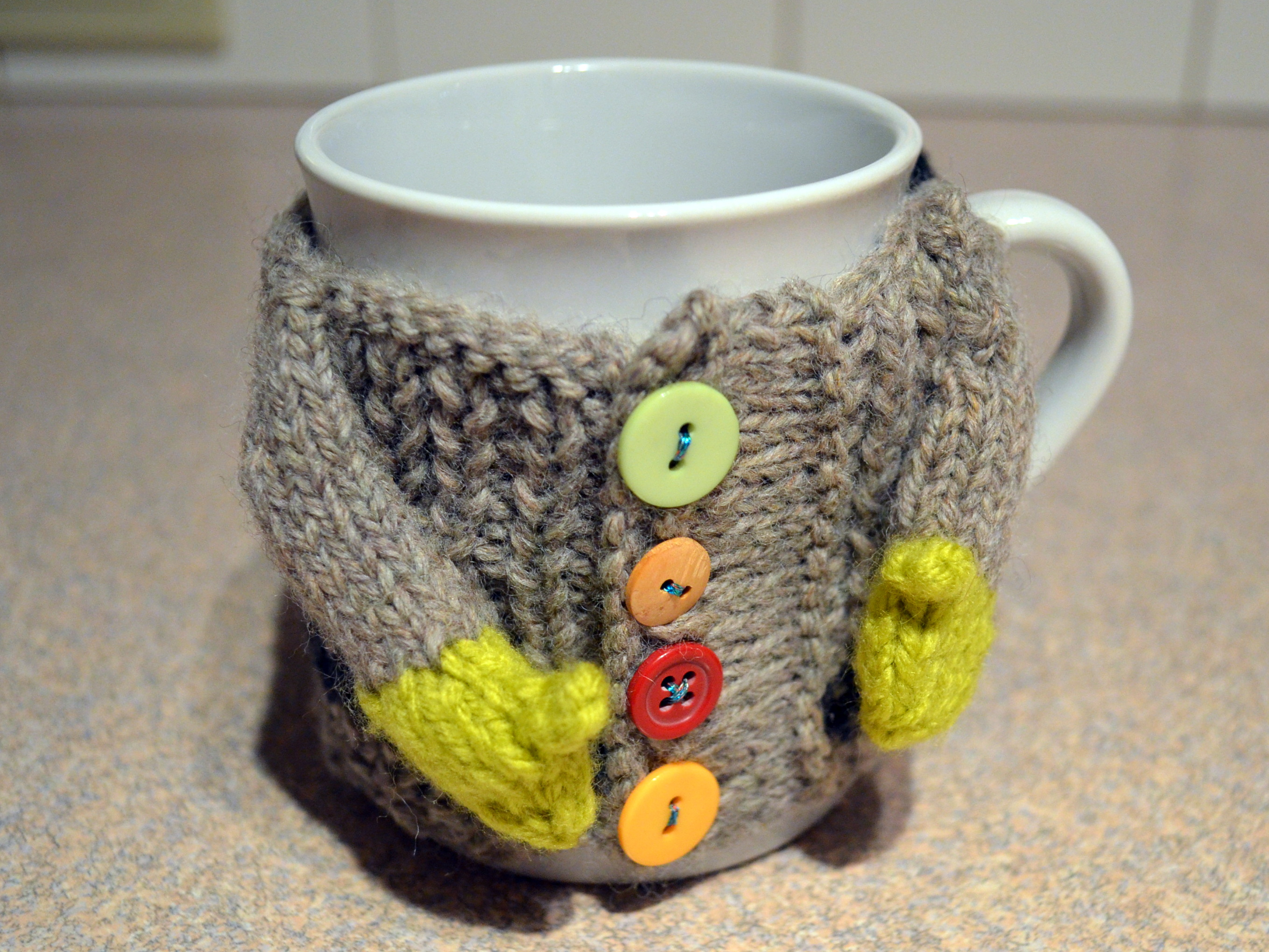 Knitting Pattern For Mug Sweater : Making cute a.k.a. procrastinating - Pops de Milk