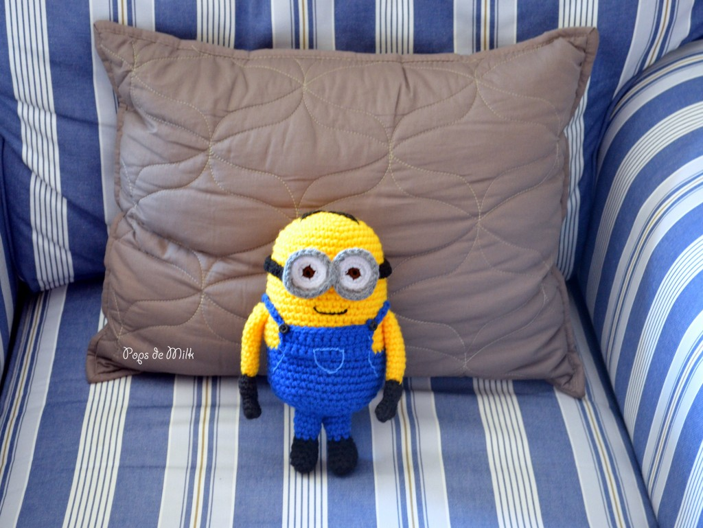 Dave the Minion in chair - Pops de Milk