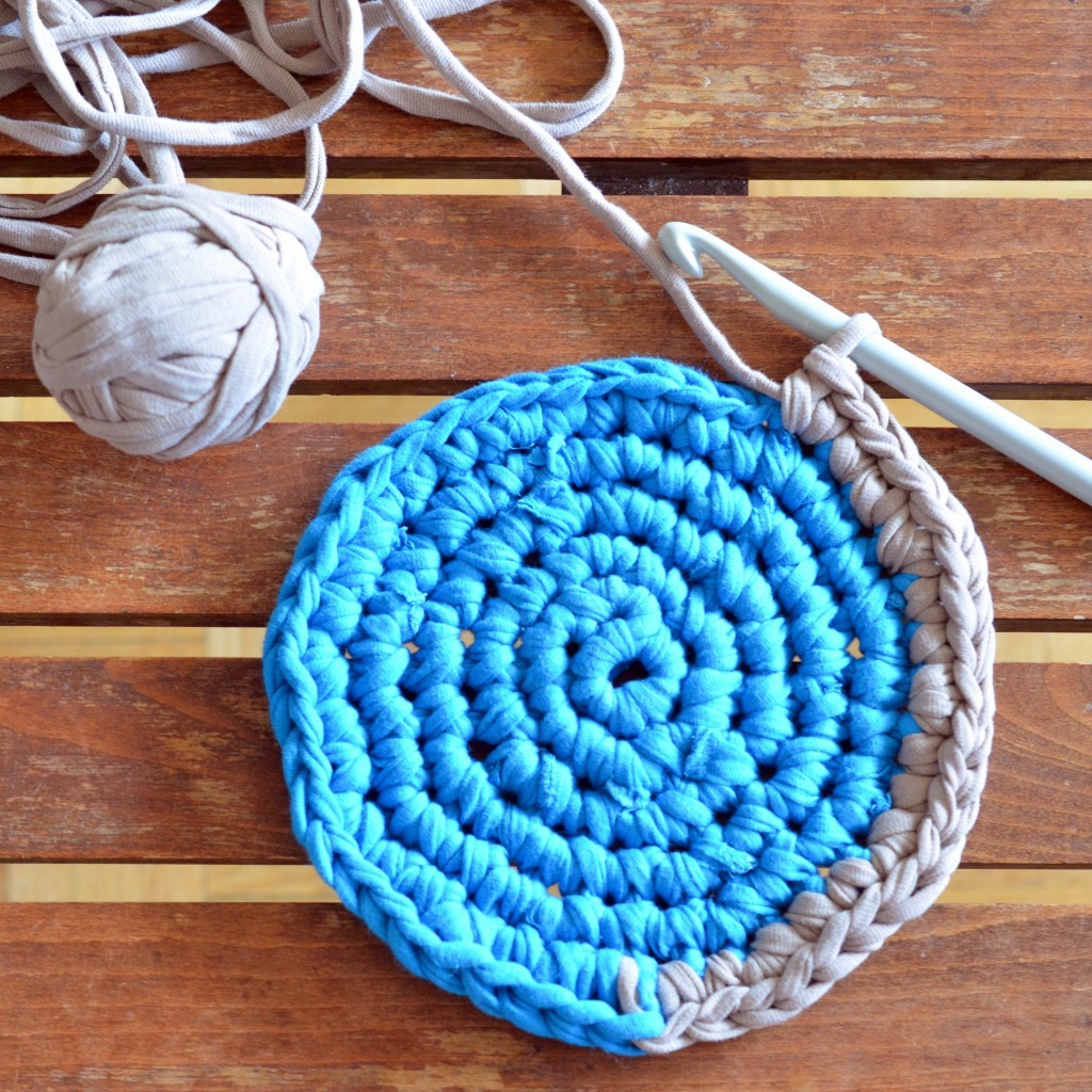 T-shirt Yarn Pot Holder - Pops de Milk