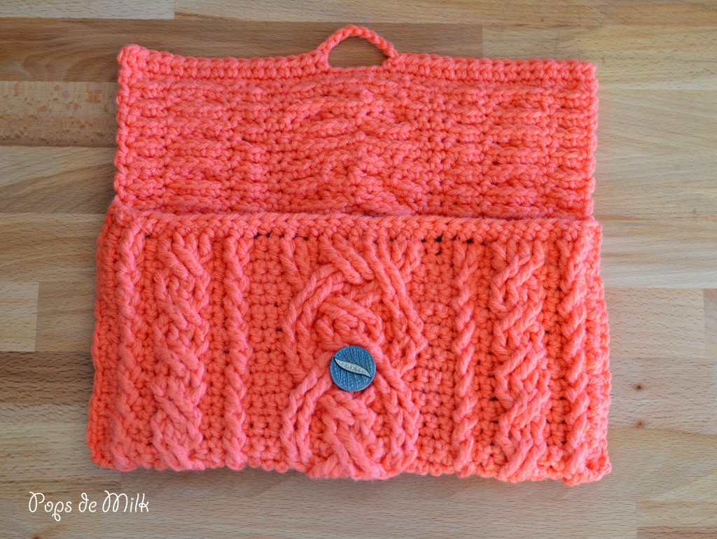 Crochet Cables Clutch - Pops de Milk
